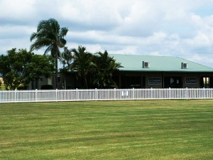 1.0m high Colonial Picket Fence