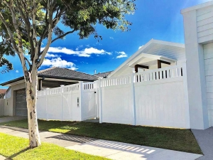 Full Privacy Fence with Windsor Picket Top
