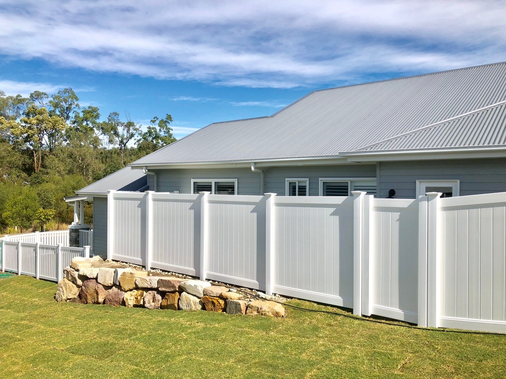 Full Privacy Side Fence with Windsor Picket Front Fence
