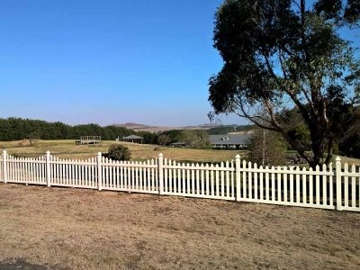 Homestead Picket Fence in Ivory