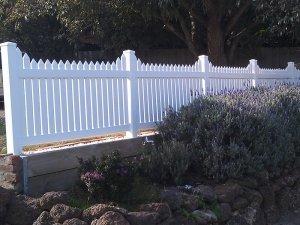 Homestead Picket Fence