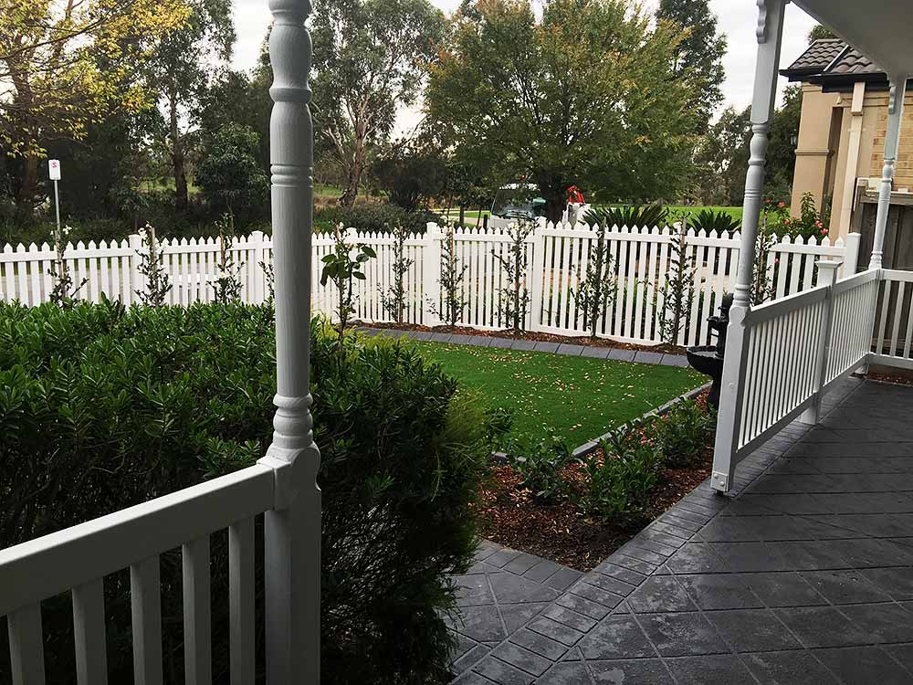 Colonial Picket Fence & PVC Balustrade