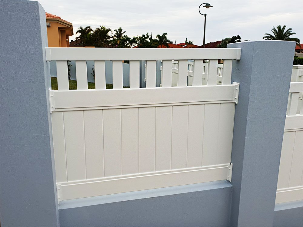 Full Privacy Fence with Windsor Picket Top Infill