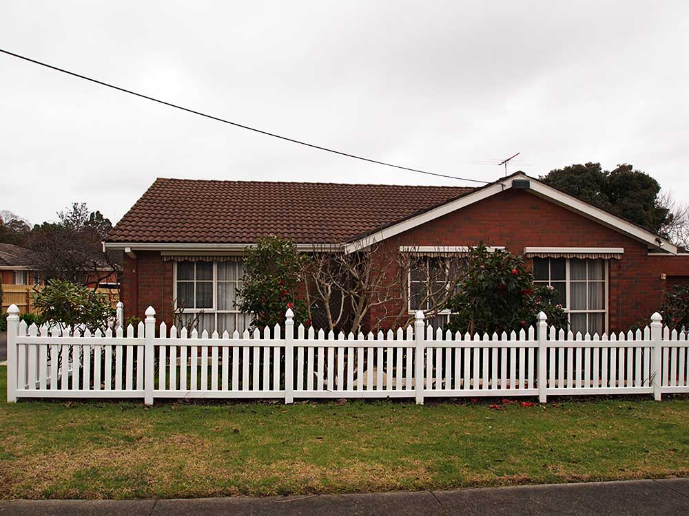 Sierra Picket Fence with Gothic Caps